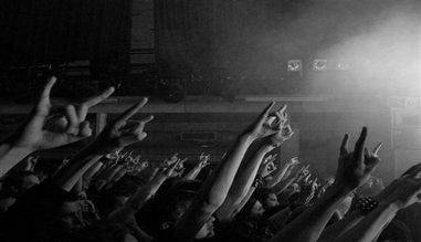 Tricouri si accesorii rock pentru concerte, tricouri IRON MAIDEN, MEGADETH, AC/DC, METALLICA, BVB